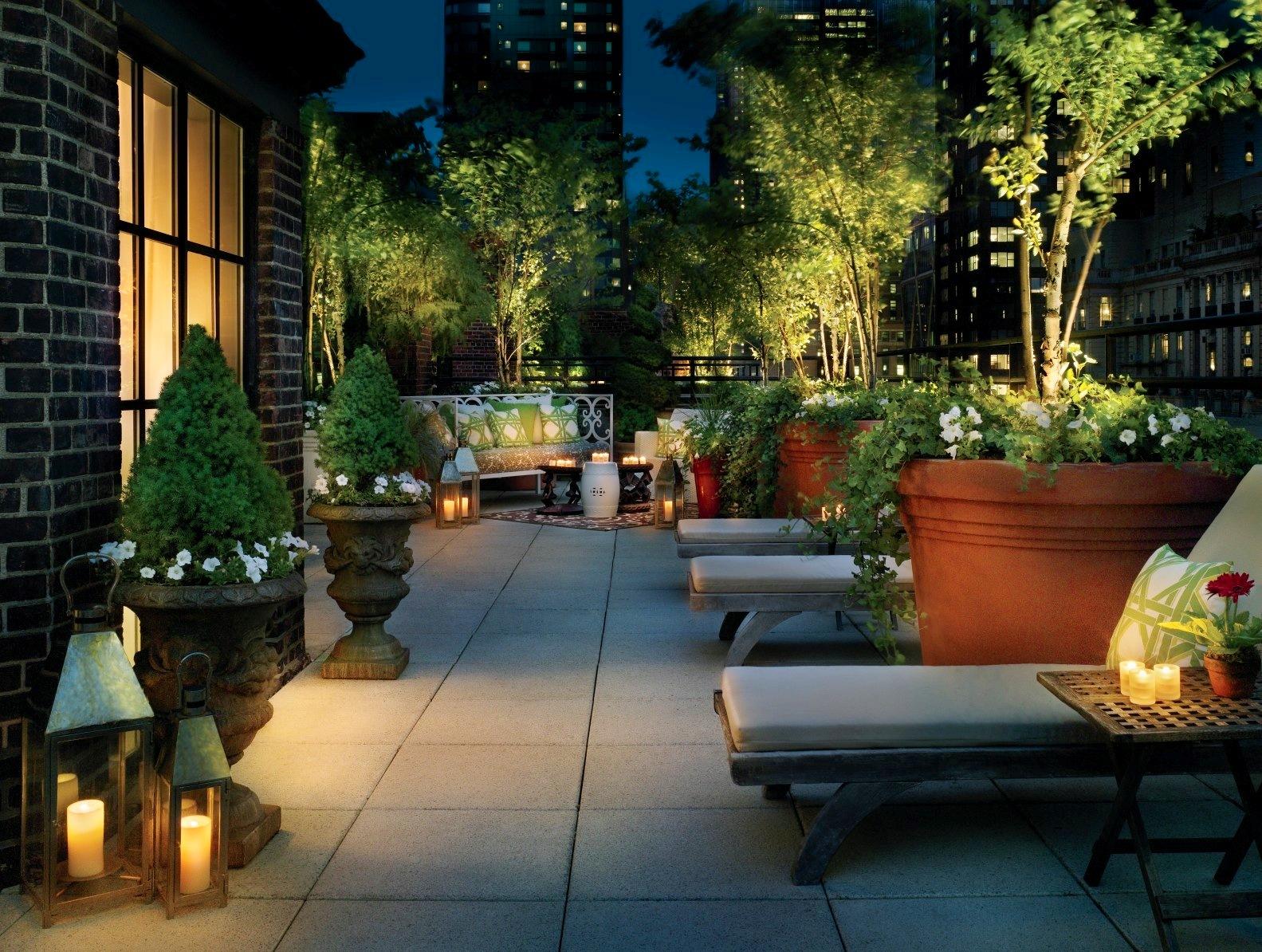 bar lounge tra i tetti di new york vivi new york. Black Bedroom Furniture Sets. Home Design Ideas