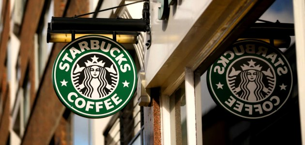 Starbucks divisa tra caffè e alcool