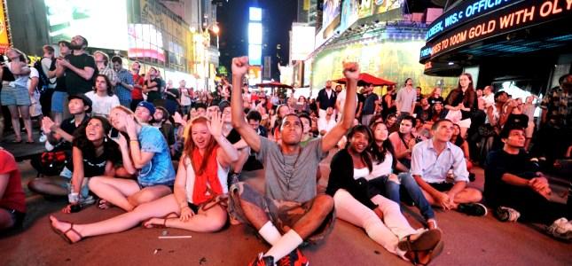 Times Square Curiosity atterra su Marte